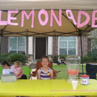How-Kids-Can-Make-Money-lemonade